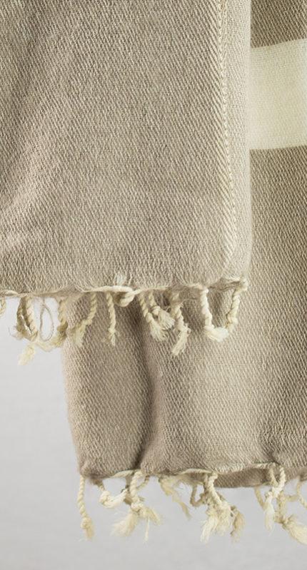 Laine tissus crème rayé gris (180 x 80 cm)